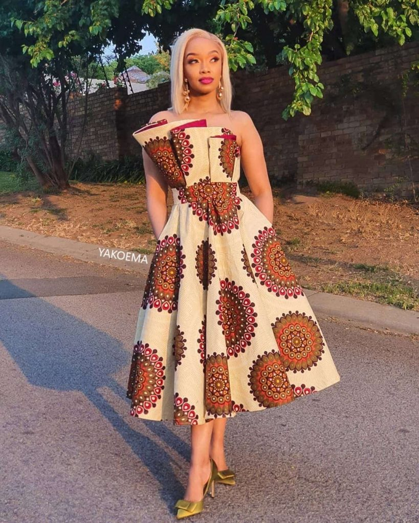 Wow! You Don't Massive These African Fashion Design, The Latest Dress Styles